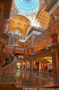 Inside The Forum Shops at Ceasar's Palace Hotel and Casino, Las Vegas  The Forum Shops Photos