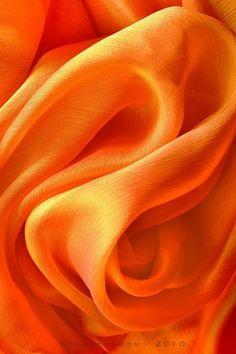 The Power of the color oran, the color of Buddhist monks..... Il potere del colore arancione, il colore dei monaci buddisti.....