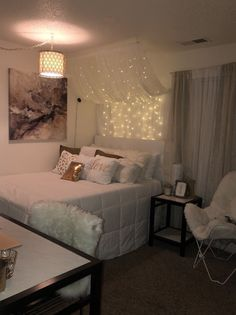 152 inspiring teen girl bedroom decor ideas 52 page 14 Cute Bedroom Ideas, Girl Bedroom Designs, Trendy Bedroom, Modern Bedroom, Bedroom Simple, Bedroom Ideas For Small Rooms For Girls, Nice Bedrooms, Room Design Bedroom, Master Bedrooms