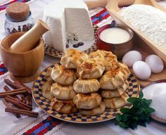 Traditional Greek Kalitsounia in Tart Moulds Greek Sweets, Greek Desserts, Greek Recipes, Desert Recipes, Greek Diet, Armenian Recipes, Armenian Food, Greek Cookies, Greece Food