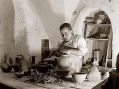 #Palestine - Jerusalem Potter, 1934 | Community Post: 31 Unbelievable Photographs Israel Doesn't Want You To See!