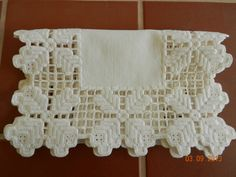 Linen Table Runner with Hardanger Edging by ClarabelleCraftroom Hardanger Embroidery, Machine Embroidery, Drawn Thread, Coffee Colour, Crochet Borders, Cut Work, White Towels, Ivoire, Table Runners