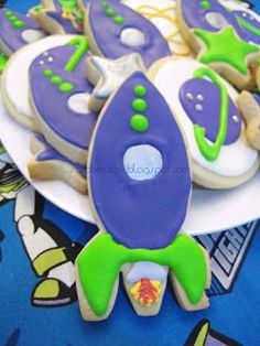 YAY! for baking!!!.... and crafts!: Buzz Lightyear Cookies