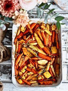Uunijuurekset resepti Different Salads, Good Food, Yummy Food, Keto, Yams, Food Inspiration, Side Dishes, Food And Drink, Vegetarian