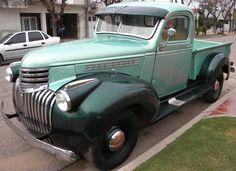 Chevrolet 1946.  http://www.arcar.org/chevrolet-1946-50474