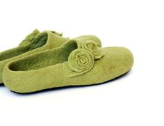 Spring trend Women wool slippers olive green felted by AgnesFelt $93.00