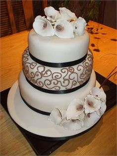3 Tier Round Wedding Cake Decorated with Coffee Piping