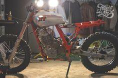RocketGarage Cafe Racer: Trinta&Um NX 650