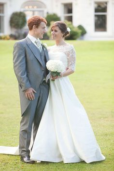 Front Garden September, Wedding Dresses, Garden, Photography, Fashion, Bride Dresses, Moda, Bridal Gowns, Photograph