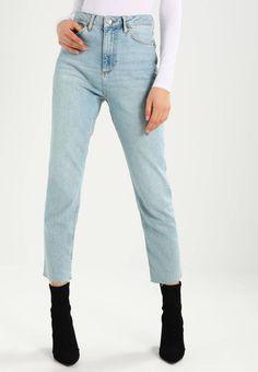 Topshop. Jeans baggy - light blue. Avvertenze:Lavaggio a macchina a 40 gradi,Non asciugare in asciugatrice. Lunghezza interna della gamba:69 cm nella taglia 28x32. Composizione:92% cotone, 8% elastan. Lunghezza della gamba esterna:9...