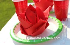 How to Fold Paper Napkin Fancy Way 6 Techniques Flower from paper napkins. Easy and impressive paper napkins folding. Napkin Folding Pocket, Paper Napkin Folding, Paper Napkins, Paper Plates, Folding Napkins, Origami Folding, Cloth Napkins, Paper Flowers Craft, Paper Roses