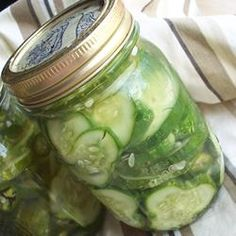 Homemade Refrigerator Pickles recipe to use my cucumbers from the garden!