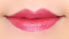 Burt's Bees Lip Shimmer Lip color balm in Rhubarb Swatches