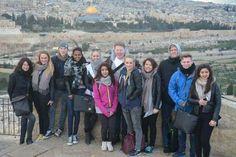 Lambertseterelever i Palestina: 11 elever og fire lærere fra Lambertseter er for tiden på en ukes utvekslingstur til Ramallah på Vestbredden. I tillegg til å være på vennskapsskolen School of Hope besøker elevene kjente steder i Nablus, Betlehem og Jerusalem. De bor hjemme hos palestinske familier og får førstehånds kjennskap til konflikten i Midt-Østen. I mai kommer de palestinske elevene på gjenvisitt til Norge. Palestine