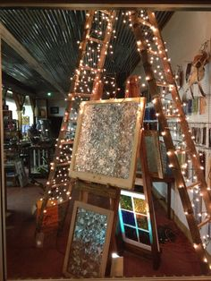 COOL WINTER WINDOW DISPLAY! Big Snowflakes Vintage Window and Repurposed Broken Glass Pane