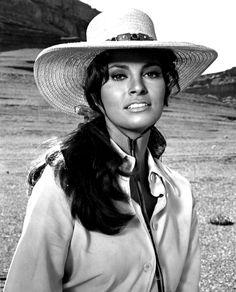 Ravageuses wear hats.   Raquel Welch