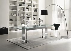 Not only making a dining room looks modern, but a glass dining table can also make the room looks elegant. These modern glass dining table design are great! Glass Dining Room Table, Dining Table Design, Modern Dining Table, Dining Room Sets, Dining Tables, Glass Desk, Glass Tables, Table Bases, Glass Office