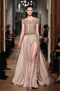 Tony Ward - Haute couture - Printemps-été 2014 - http://www.flip-zone.fr/fashion/couture-1/independant-designers/tony-ward-4448 - ©PixelFormula