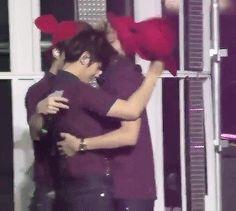 Chanbaek/Baekyeol Hug ♥