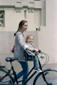 Stylist Ondine Saglio in Thomsen at home with her kids. Photos by Aya Yamamoto. Biking with kids, bike style Bici Retro, Childrens Bedroom Decor, Ondine, Cycle Chic, Kids Seating, Bicycle Girl, Bike Style, Mommy Style, We Are The World