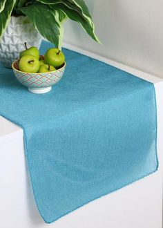 Woven Table Runner i
