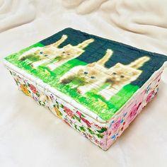 【収納バスケット 販売】 * →フタつき、深さも大きさもあるので収納に便利に使っていただけます‧✧̣̥̇‧ * →♣︎♣︎サイズ♣︎♣︎ 約:25×17×8センチ * * *お気軽にメッセージ下さい* *  #ハンドメイド #ミンネ #minne #creema #ギフト #プレゼント #zakka #ナチュラル雑貨 #インテリア雑貨 #収納 #handmade #handcraft #猫 #ペット #cat #petdecoupage_pigpig2016/03/17 05:28:36