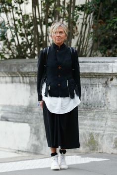 Loving this jacket by Comme des Garcons Avangard Fashion, Mature Fashion, Older Women Fashion, Grey Fashion, Urban Fashion, Winter Fashion, Fashion Outfits, Womens Fashion, Fashion Online