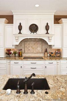 Best 100 white kitchen cabinets decor ideas for farmhouse style design (98)