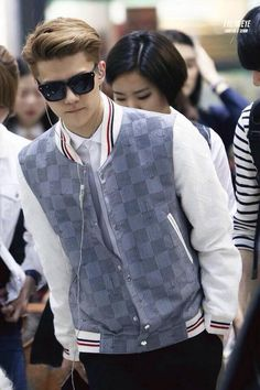 Oh Sehun-looks good Chanyeol Baekhyun, Exo K, Park Chanyeol, 2ne1, Kpop Fashion, Korean Fashion, Airport Fashion, Sung Joon, Culture Pop