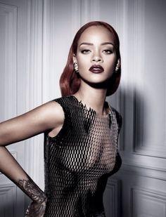 Fashion: Rihanna Poses For Dior | Holiday Season Live