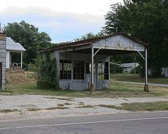 vintage service stations | Wynnewood, OK : Old Service Station photo, picture, image (Oklahoma ...