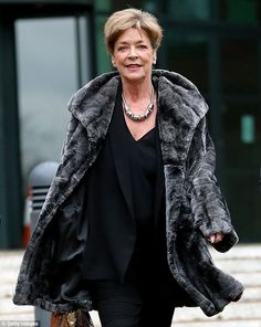 'Coronation Street': Deirdre Barlow Actress Anne Kirkbride To Take Three Month Break From 'Corrie' Manchester Hospital, Coronation Street Cast, Anne Kirkbride, British Drama Series, Soap Awards, Tony Blair, Old Tv, Music Tv, Actresses