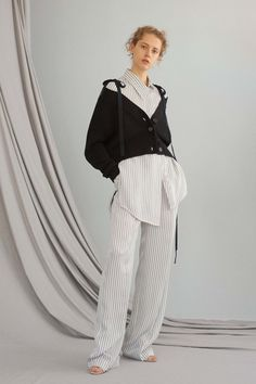 ADEAM Resort 2017 Fashion Show  http://www.vogue.com/fashion-shows/resort-2017/adeam/slideshow/collection#2