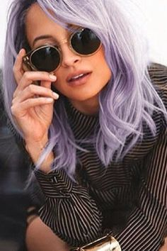 Nicole Richie has dyed her hair purple, everyone!