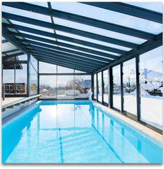 Comment construire votre piscine sous veranda ?  Vous avez décidé de faire construire une veranda piscine pour profiter d'un espace privé élégant et nager toute l'année que ça soit en hiver ou bien en été. Où installer votre veranda ?  La première question à vous poser est celle de l'endroit où vous voulez installer votre veranda piscine. Elle sera déterminante pour une série de choix subséquents, tels l'orientation, l'intégration dans l'environnement ou encore la présence de locaux…
