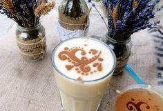 Fahéjas-joghurtos őszibarackturmix   NOSALTY – receptek képekkel Glass Of Milk, Smoothie, Pudding, Healthy Recipes, Desserts, Food, Tailgate Desserts, Deserts, Custard Pudding