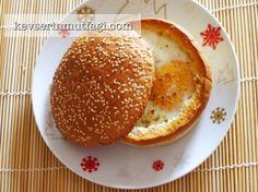 Ekmek Çanağında Sucuklu Yumurta Tarifi