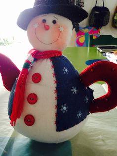 1234 Felt Ornaments, Christmas Ornaments, Ideas Para, Tea Pots, Barbie, Holiday Decor, Elsa, Christmas Decor, Mugs