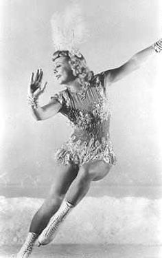Sonja Henie - was a Norwegian figure skater and a film star. She was a three-time Olympic Champion in Ladies Singles, a ten-time World Champion - and a six-time European Champion. She was one of the most paid actor/athlete which would fit in economical. Women Figure, Ladies Figure, Norway Viking, Old Movie Stars, Ice Skaters, Ice Dance, Olympic Champion, Photographs Of People, Second World