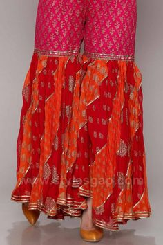 Gharara Designs, Kurti Designs Party Wear, Kurta Designs, Gharara Pants, Tandoori Masala, Sleeves Designs For Dresses, Red Bridesmaid Dresses, Embroidery Suits Design, Stylish Dresses