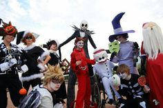 This is my favorite photo from our Nightmare Before Christmas group! I don't know everyone (and will add proper tags later), but. Nightmare Before Christmas Kingdom Hearts Cosplay, Kingdom Hearts 3, Nightmare Before Christmas, Halloween Town, Happy Halloween, Disney Cosplay, Tim Burton, Bing Images, Deviantart