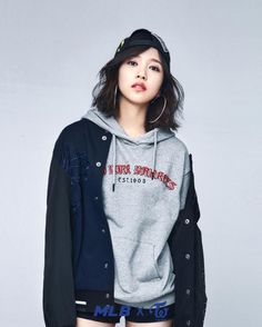 Yui, Crown Princess of New Asia (皇太子統仁親王妃油井 Koutaishi Osahito Shinnouhi Yui) / Cousin's wife / Twenty-four / FC: Myoui Mina Moda Kpop, Kpop Girl Groups, Korean Girl Groups, Kpop Girls, Nayeon, Kpop Fashion, Korean Fashion, Shorts E Blusas, Blake Steven