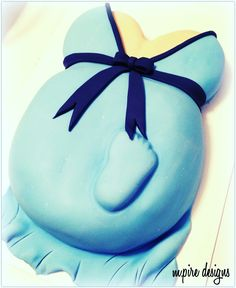 'Sometimes the smallest things take up the most room in your heart' - Winnie the Pooh #quotes #winniethepooh #babyboy #baby #boy #itsaboy #babyshower #blue #weddings #events #corporate #cakelady #cakeboss #cakeblog #ohboy #toronto #blog #footprint #mothertobe #pregnant #pregnancy #mother #parents #supermom #mom #mpiredesigns