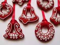 Citromhab: Mézeskalács sütése és díszítése Christmas Cookies, Christmas Ornaments, Christmas Ideas, My Coffee Shop, Christmas Wonderland, Iced Cookies, Royal Icing, Cookie Decorating, Decorating Ideas