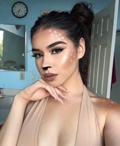 Looking for for inspiration for your Halloween make-up? Browse around this site for cute Halloween makeup looks. Deer Halloween Costumes, Cute Halloween Makeup, Pretty Halloween, Halloween Inspo, Halloween 2018, Halloween Photos, Halloween Halloween, Reindeer Costume, Vintage Halloween