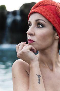 OASIS PARADISE  Photo-Retouch.Denia Priegue Model. Gemma, My Dreams of Seams Hair. Peluquería Chuly´s Make Up. María Mato Foulard. Belategui Regueiro