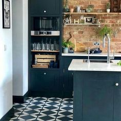62 Ideas For Exterior Brick Colors Cottages Kitchen Cabinets And Backsplash, Blue Cabinets, Kitchen Paint, Small Galley Kitchens, Black Kitchens, Kitchen Black, Homemade Kitchen Tables, Brick Wall Bedroom, White Wall Paint