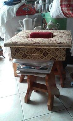Lace Pillows, Romanian Lace, Bobbin Lacemaking, Pillow Ideas, Lace Making, Antique Books, Fiber Art, Linens, Needlework