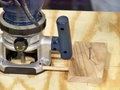 How to Cut Circles and Curves With a Router   how-tos   DIY