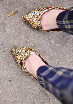 I really really want these shoes but I'm no diy-er, can someone make these for me?